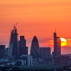 The City from Greenwich Park. Scenery Photography, London Photography, London Skyline, London City, Greenwich Park, Safari, Best Travel Deals, London Photos, Beautiful Sunset