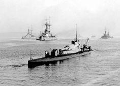 Royal Navy, M1 sub, with 12 inch gun.