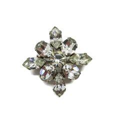 Vintage Weiss Rhinestone Starburst Silver by LeesVintageJewels