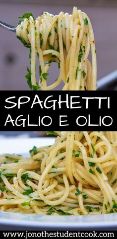 Spaghetti aglio e olio recipe. A super simple pasta recipe with 5 ingredients. This makes for a quick & easy weeknight dinner that is packed with olive oils & garlic flavour! pasta Spaghetti Aglio e Olio Easy Pasta Recipes, Spaghetti Recipes, Cooking Recipes, Healthy Recipes, Simple Spaghetti Recipe, Angle Hair Pasta Recipes, Easy Italian Recipes, Meatless Pasta Recipes, Garlic Spaghetti