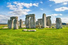 England in Pictures: 20 Beautiful Places to Photograph | PlanetWare Salisbury Plain, Pembrokeshire Coast, Medieval Paintings, Welcome Summer, Early Humans, First Day Of Summer, Old Stone, Summer Solstice, Stonehenge