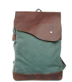 Amazon.com: iBaste Leather Rucksack Laptop and Camera Backpack Fashion School Bag for Teens Vintage Satchel Messenger Bag (Grey): Clothing