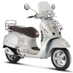 Retro, Vespa en Piaggio scooters kopen of leasen Vespa Gts, New Vespa Scooter, Piaggio Scooter, Yamaha Scooter, Scooter Custom, Vespa Lambretta, Vespa Scooters, Touring, Vespa Primavera