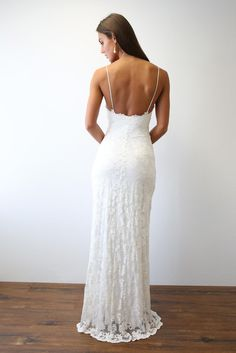 Designed for the minimalist bride who wants to make a statement in the most subtle, yet unforgettable way, our Mia gown is all about the simplistic silhouette. Perfect Wedding, Dream Wedding, Wedding Day, Deb Dresses, Top Wedding Trends, Grace Loves Lace, Wedding Goals, Princess Wedding, Marie