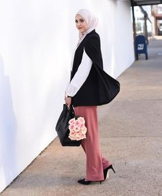 Another outfit of the day by our lovely @withloveleena wearing the Tuxedo Cape Blazer by Store WF. Perfect for everyday or special occasions. Shop now via link in bio!