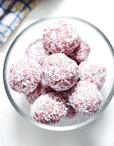 strawberry energy bites - a great snack when you need an energy boost during the day, also sweet enough to satisfy any dessert craving!