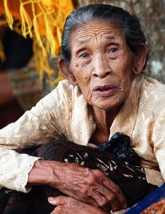 In balinese words Dadong means Grand Mother     By johanes siahaya