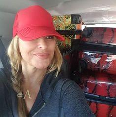 "INSTAGRAM Anastacia: ""Who wants to help me unpack?"""