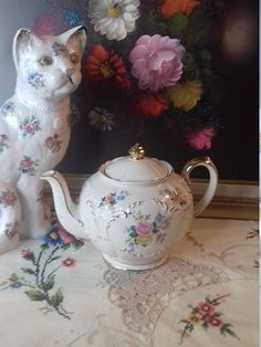 sadler teapot roses raised scroll gold gilding 2 pint a/f