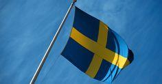 Quais bandeiras são amarelas e azuis?. Bandeiras amarelas e azuis são usadas na maioria das vezes para representar as nações, mas aparecem em outros campos também. Várias bandeiras nacionais envolvem as cores azul e amarelo (a maioria é composta de apenas estas duas) enquanto algumas bandeiras com essas cores contêm também um detalhe em uma terceira tonalidade, como uma estrela ou ...