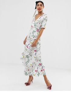 Buy floral wrap short sleeve maxi dress at ASOS. Get the latest trends with ASOS now. Bell Sleeve Dress, Maxi Dress With Sleeves, Short Sleeve Dresses, Chelsea Flower Show, Pop Fashion, Beautiful Dresses, Wrap Dress, Cold Shoulder Dress, Summer Dresses