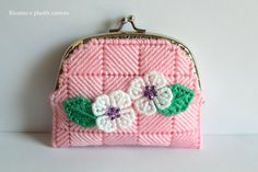 Light pink coin pursecoin purse claspwomen by Ricamoeplasticcanvas