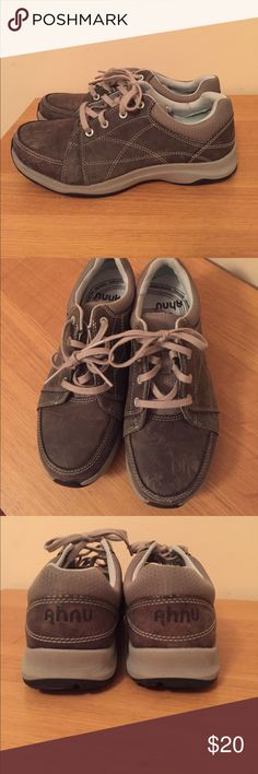 Ahnu Taraval leather tennis shoes Ahnu Taraval leather tennis shoes, size 6. Very little wear on soles, some scratches on leather of outside of shoe and toe. Ahnu Shoes Athletic Shoes