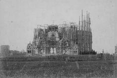 Fachada de la Natividad - 1898. Templo Expiatorio de la Sagrada Familia