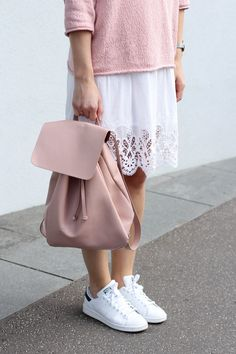 tifmys – Believe E sweater, Zara light-pink backpack, H&M lace dress & Adidas Stan Smith sneakers.