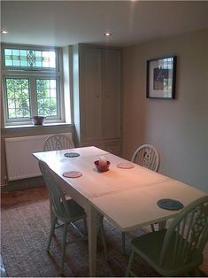 Dining Room in Stony Ground Farrow And Ball Paint, Farrow Ball, Wall Exterior, Interior And Exterior, Country Kitchen Inspiration, Grey Cupboards, Bedroom Paint Colors, Paint Colours, Kitchen Units
