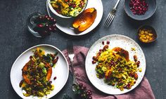 1 cup quinoa1 japanese pumpkin400 g brussel sprouts½ cup unsalted almonds½ cup unsalted pistachios⅓ yellow raisins2 pomegranates (seeds)3 oranges1 tsp saffron2