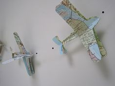 diy how to on how to make a paper plane mobile. | it's a boy, Deco ideeën