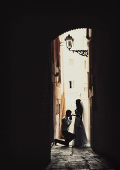 Romantic wedding in Barcelona #Spain #wedding #couple Click the picture to see the whole photoshoot!