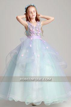 0587112698c03 Robe de mariée très chic pour enfant à thème floral…… robefille   robefillette  robe fille