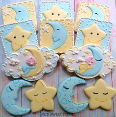 These moon & star cookies make perfect additions to your baby shower. Moon Cookies, Star Cookies, Fancy Cookies, Iced Cookies, Cute Cookies, Cookies Et Biscuits, Cupcake Cookies, Cookie Favors, Summer Cookies