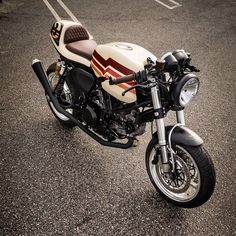 #mulpix Dennis' Ducati GT1000 Sport Classic, refining a great stock machine into something much more - www.throttleroll.com :@livemotofoto #throttleroll #stocksucks #livefastthrottleroll #ducati #gt1000 #sportclassic #caferacer #ducaticaferacer #custom #custombike