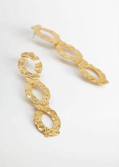 Metal pendant earrings - Woman | Mango South Africa Pendant Earrings, Women's Earrings, Golden Earrings, Brass Cuff, Crinkles, Mango, Beaded Bracelets, Detail, Model