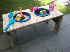 Play table pallet