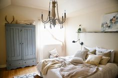 Vintage Whites Blog: 10 ways to refresh and update your bedroom - on a budget!