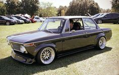 Slammed Retro BMW 2002