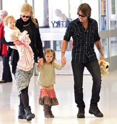 Keith Urban - Nicole Kidman And Family Arriving For A Flight In Sydney