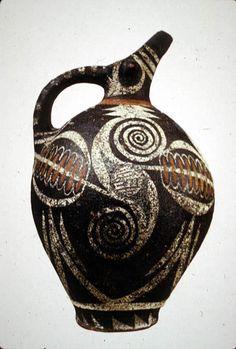 Joseph Abhar - Kamares ware spouted jar - Minoans on Crete - Middle Bronze Age - 1600 BC) - Minoan culture on Crete - first palace period (before earthquake) pottery. Pottery Vase, Ceramic Pottery, Ceramic Art, Creta, Minoan Art, Bronze Age Civilization, Ancient Greek Art, Greek Pottery, Vase Design