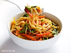 A rich and sweet peanut sauce, tons of fresh vegetables, and simple pasta makes a super filling and delicious salad! Spicy Peanut Noodle Salad - BudgetBytes.com