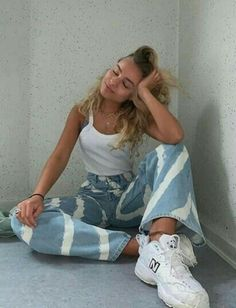 Pose bonita para foto Urban Outfitters Outfit, Casual Summer Outfits, Fall Outfits, Cute Outfits, Fashion Outfits, Outfit Summer, Fashion Ideas, Casual Fall, Mode Purple