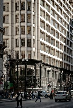 carson pirie scott building in chicago Classical Architecture, School Architecture, Architecture Details, Chicago School, Chicago City, Chicago Illinois, Louis Sullivan, School Department, Paisajes