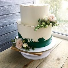 This image may include: indoors - Buttercream Cake, Fondant Cakes, Cupcake Cakes, Pretty Cakes, Beautiful Cakes, Amazing Cakes, Bolo Glamour, Wedding Desserts, Wedding Cakes
