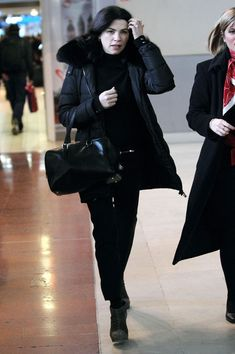 Julianna Margulies Photos: The Paris Airport Is Busy During Fashion Week