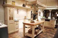 Afbeeldingsresultaat voor landelijke keuken met eiland