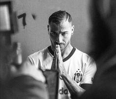 Bu adama evine git diyenler! ONUN EVİ DE YUVASI DA BURASI! Ricardo Quaresma ❤ Q7❤ Beşiktaş ❤