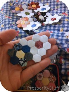 ProsperityStuff Quilts: English Paper Piecing, Tiny Style -Oooo - teeny tiny hexies!  I don't know if my big hands can deal with something soooo small.