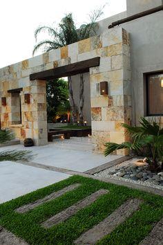 Modern Exterior House Designs, Dream House Exterior, Cool House Designs, Exterior Design, Tiny House Design, Luxury Homes Exterior, Contemporary Front Doors, Casa Patio, Mansion Interior
