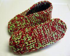 Côté tricot, j'ai découvert il y a quelques semaines un modèle de pantoufles qui est en train de devenir un de mes favoris. :-) J'aime la forme arrondie du talon ! Pour ce qui est de la partie avan...