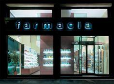 Pharmacy design in Milan: Dr Bornino's pharmacy http://patriciaalberca.blogspot.com.es/