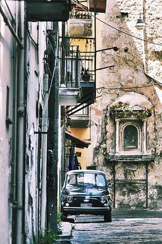 tempo sospeso Napoli Italy