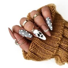 Almond nail art designs for girls on the go, trendy bright colors and warm colors for every woman, we sorted beautiful design that you can Almond Nail Art, Almond Acrylic Nails, Cute Acrylic Nails, Cute Nails, Pretty Nails, Xmas Nails, Christmas Nails, Perfect Nails, Gorgeous Nails