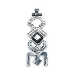 Pandantiv argint și abanos assrou n'swoul, Sahara  #metaphora #pendant #silver #ebony #tuaregjewelry Indigo, Enamel, Pendant, Metal, Silver, Accessories, Jewellery, Fashion, Moda