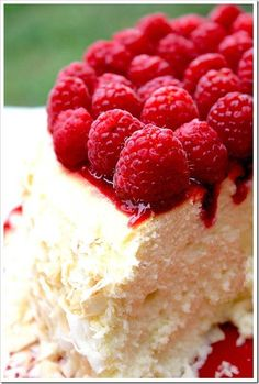 my oh my: raspberry coconut cheesecake.