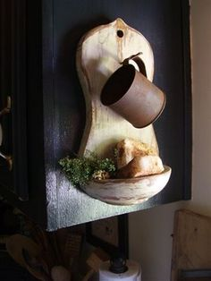 tutorial for making antique soap holder from Simply Prim we made this . just find an old looking cup. Diy Projects To Try, Crafts To Make, Diy Crafts, Primitive Crafts, Wood Crafts, Primitive Country, Primitive Snowmen, Primitive Christmas, Country Christmas