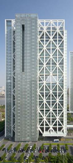 Poly Real Estate Headquarters Tower, Guangzhou by Skidmore Owings & Merrill (SOM) Architects :: 34 floors, height 160m