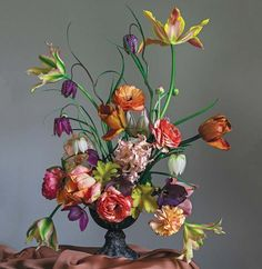Floral design and photo by Christin Geall Fifty Flowers, All Flowers, Floral Style, Floral Design, Coloring Tutorial, House By The Sea, Language Of Flowers, Spring Bulbs, Ikebana